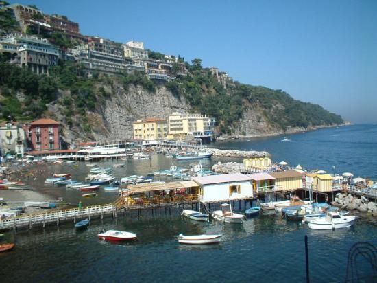 Сорренто, Италия: Sorrento marina Grande, Only 6 KM from Massa Lubrense
