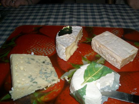 La Thiaumerie : The excellent cheese course during our meal with Sally and Mick - we thoroughly enjoyed this!