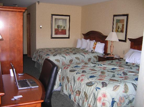Red Lion Templin's Hotel on the River: My room with two queen beds