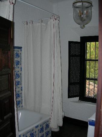 Hotel Jardin de la Muralla: En suite bathroom