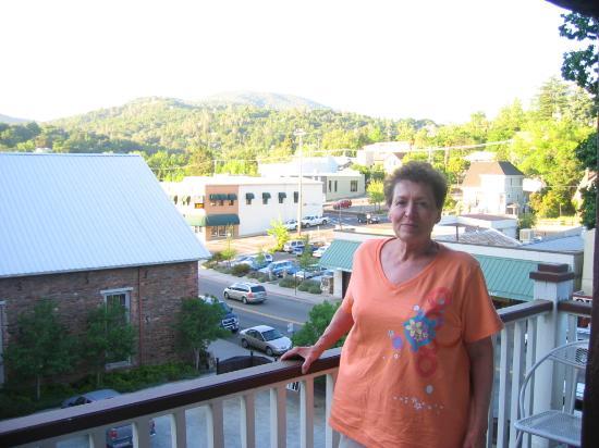 Gunn House Hotel: View from balcony room 21