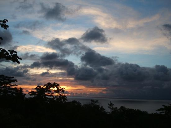 Marenco Beach & Rainforest Lodge: Sunset from the restaurant