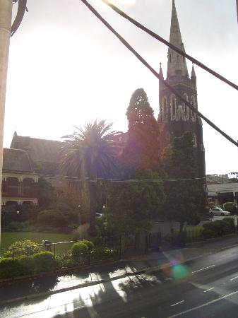 Glenferrie Hotel: Catholic church across the street from window (bad lighting)