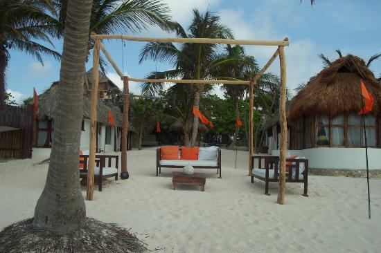 Shambala Petit Hotel: Sitting area