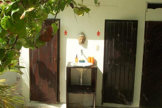 Shambala Petit Hotel: The washrooms