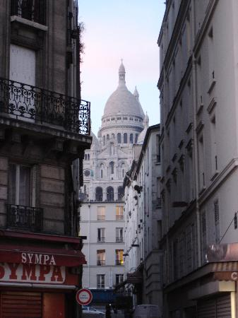 Perfect Hotel & Hostel: view of Sacre Coeur from Anvers metro (nearest station to hotel)