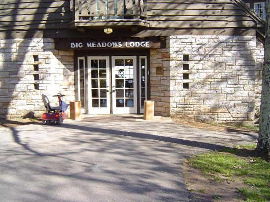Big Meadows Lodge: Front of Lodge
