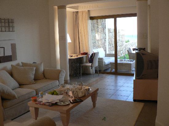 Sani Asterias: Asterias Suites Living Area