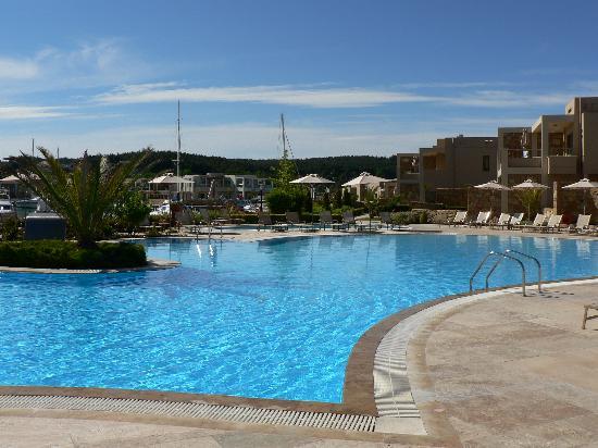 Sani Asterias: Swimming Pool
