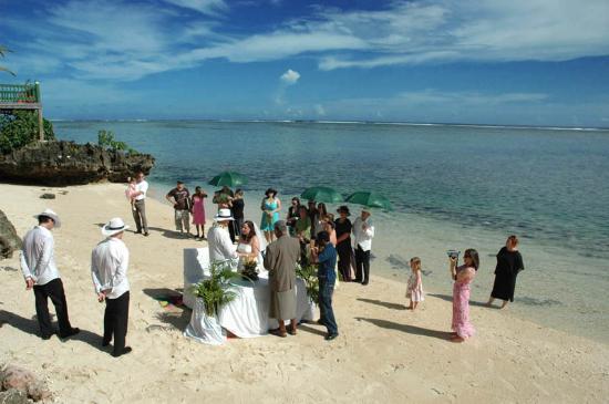 Shangri-La's Fijian Resort & Spa : Takali Beach Wedding