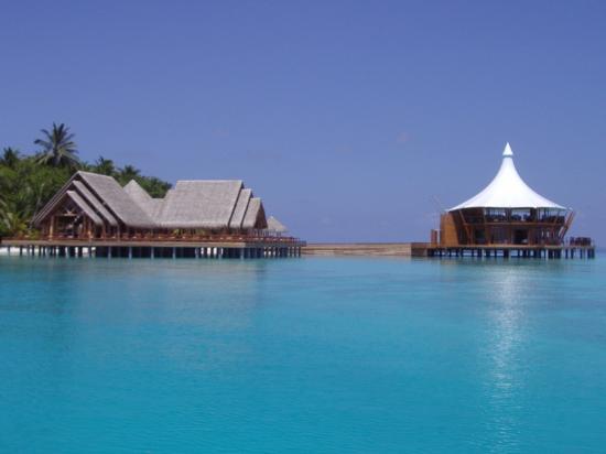 Baros Maldives: Resto principal et gastronomique