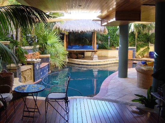 Beach Manor Bed and Breakfast Perth: The Feel of The tropical Orient or Hawaii