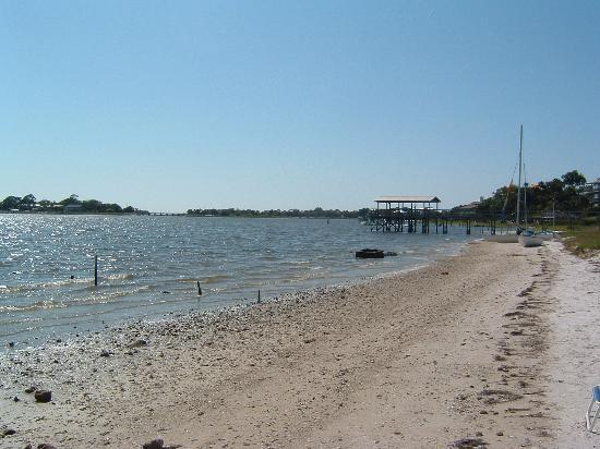 Cedar Key, Floride : Beach at motel