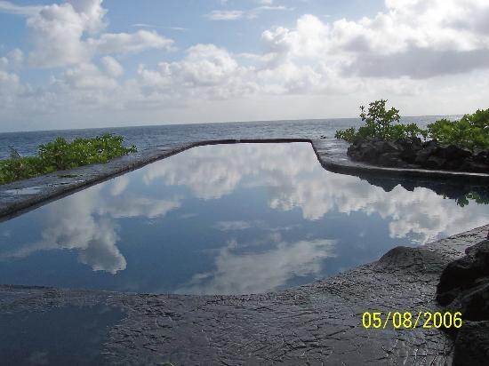 Kia'i Kai Bed and Breakfast: The infinity pool