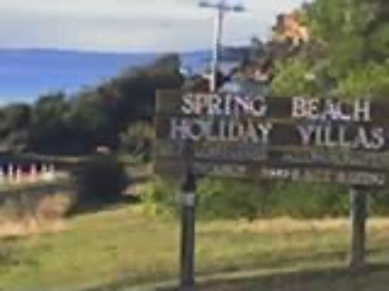 Spring Beach Villas: The sign you see driving along the road