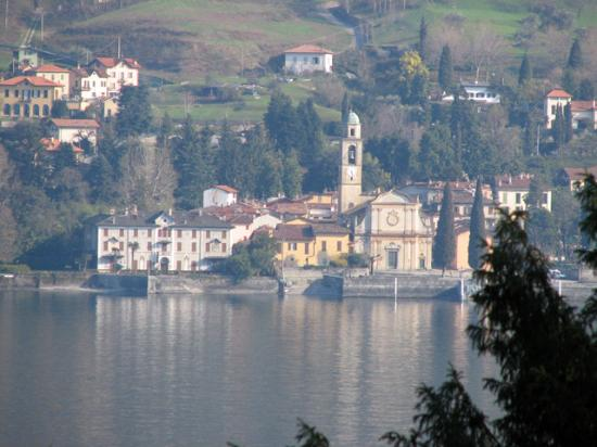 Villa Carlotta: the view across the lake