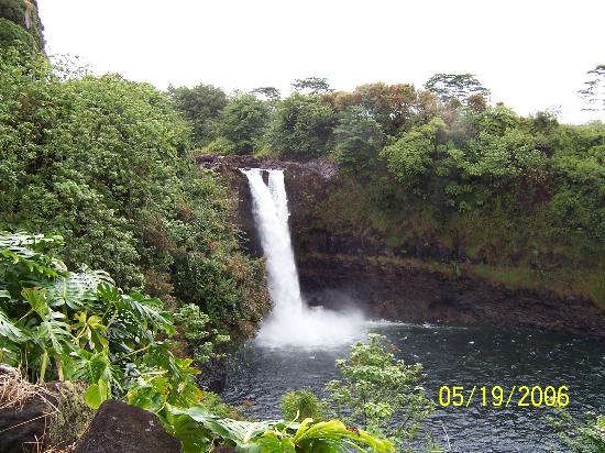 Uncle Billy's Kona Bay Hotel: Rainbow Falls Hilo