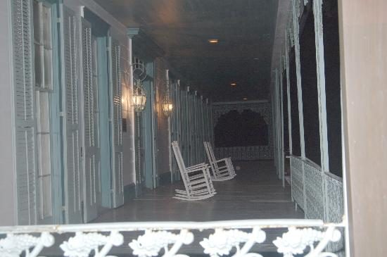 The Myrtles Plantation: orb by the chair on font porch