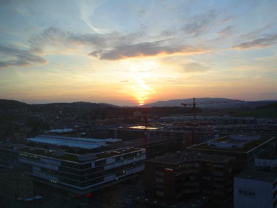 Swissotel Zurich: View of sunset from room