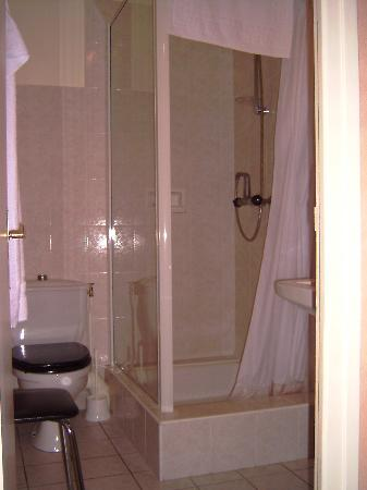 Best Western Grand Hotel de Paris: Shower room
