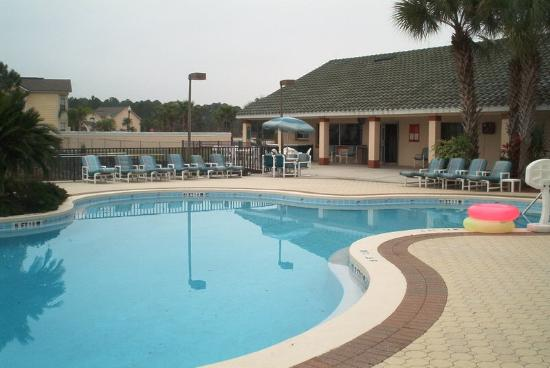 Villages at Mango Key: the pool and bar area