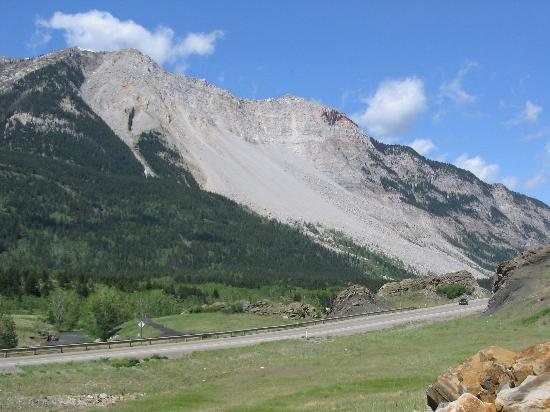 Crowsnest Pass: Frank Slide, Turtle Mountain