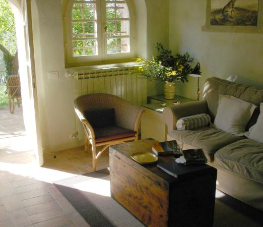 Lucignano, Italia: Living room