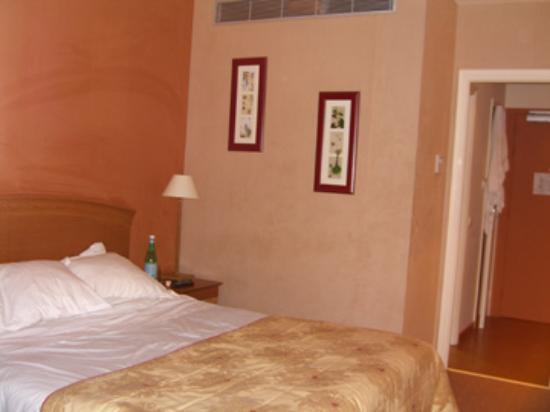 Holiday Inn Cannes : room