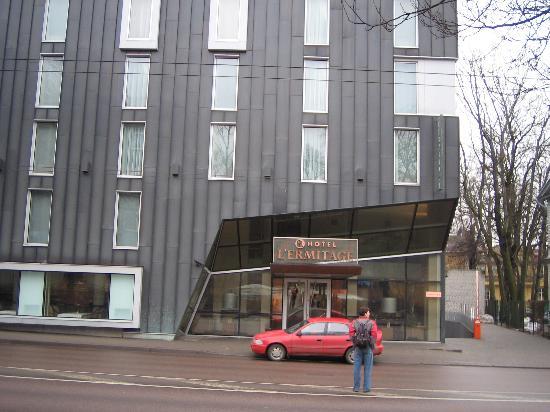 L'Ermitage Hotel: The hotel
