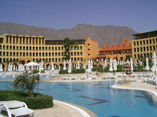 Strand Beach and Golf  Resort Taba Heights: Hotel from the beach
