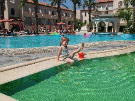 Napa Plaza Hotel: The pools