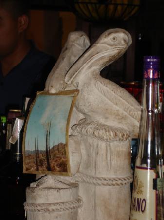 Los Pelicanos Hotel: Hotel Statue!