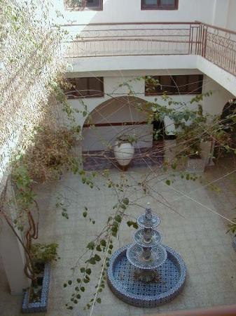 Hotel El Medina: la petite cour intérieure de l'hôtel El Médina