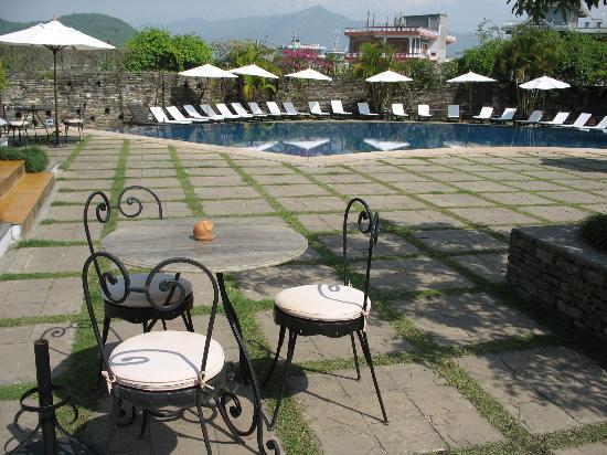 Shangri-La Village Pokhara: the pool