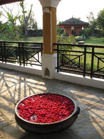Shangri-La Village Pokhara: decor