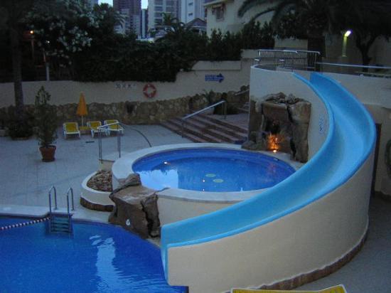 Hotel RH Princesa & Spa : la piscina de noche