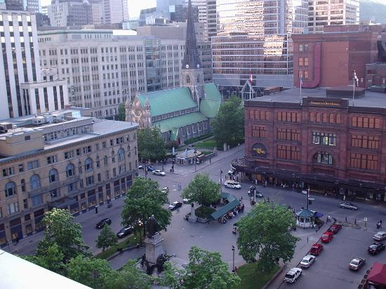 Le Square Phillips Hotel & Suites : View of the city from the rooftop sundeck