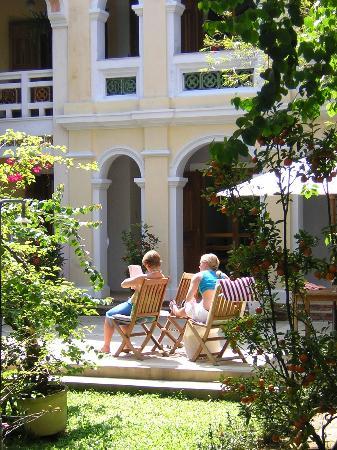 Ha An Hotel: Garden View
