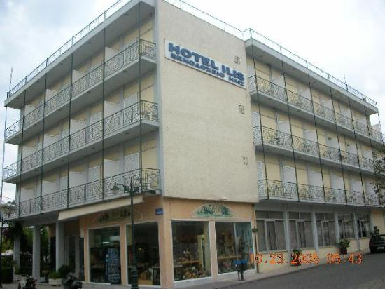 Hotel Ilis : Outside view