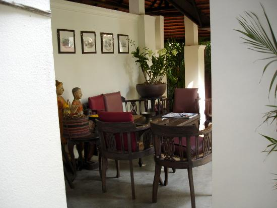 Tri Yaan Na Ros Colonial House: Sitting Area