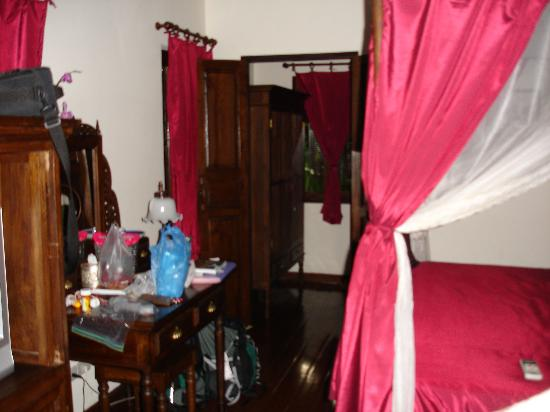 Tri Yaan Na Ros Colonial House: Another view of our room
