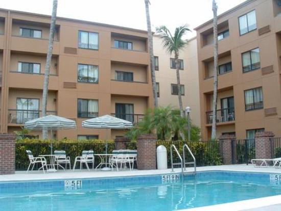 Courtyard by Marriott Miami Lakes Photo