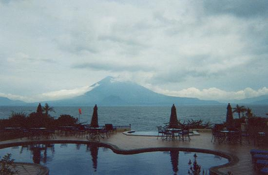 Hotel Atitlan: lakeside beauty