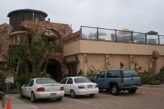 Los Pelicanos Hotel: Entrance
