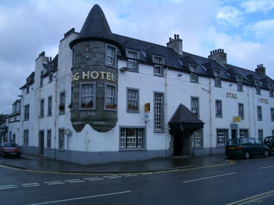 The Stag Hotel & Restaurant: Looks Good on the outside