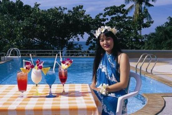 Beach Terrace Hotel Krabi: Pool bar
