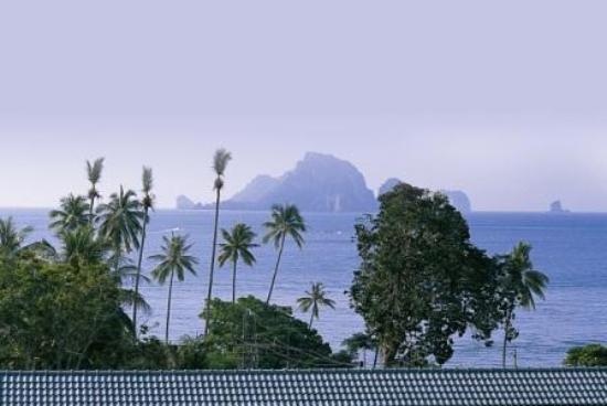 Beach Terrace Hotel Krabi: Andaman sea view from terrace