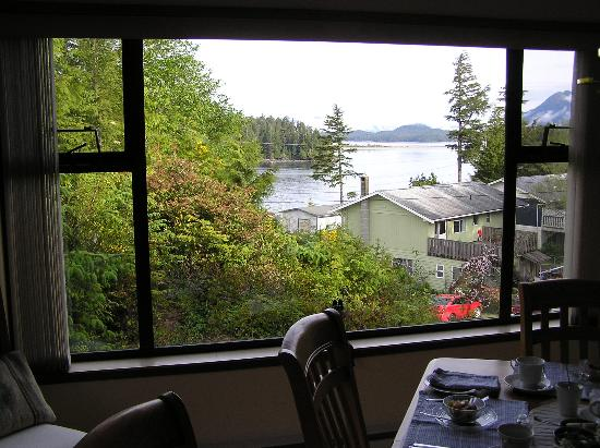 Wilp Gybuu (Wolf House) Bed & Breakfast: view from breakfast room