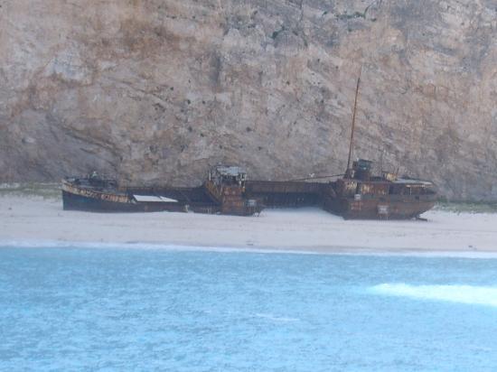 9 Muses Hotel Skala Beach: zante ship wreck