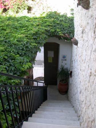 Cretan Villa Hotel : Outside our room